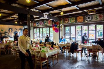 Analizan reabrir restaurantes con comensales en Baja California