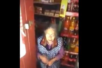 Abuela rechaza ayuda económica para dársela a los más necesitados