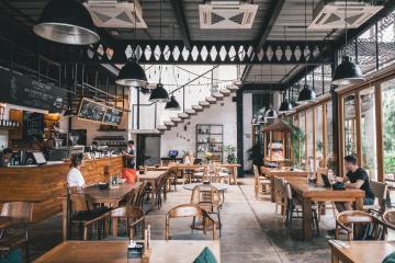 Este viernes decidirán si restaurantes reabrirán con comensales...