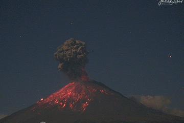 Volcan Popocatepetl registra fuerte erupción