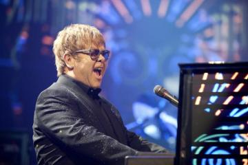 Elton John dará seis semanas de conciertos gratuitos ante Covid-19