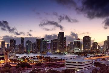 Repunte de casos por coronavirus en Miami provoca nuevo toque de queda