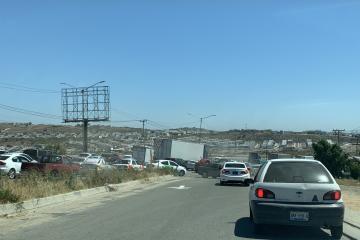Alertan sobre tráfico para entrar Rosarito
