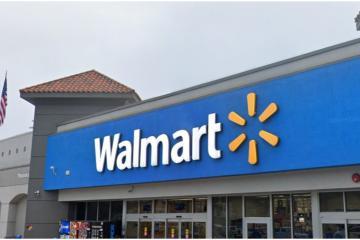 Despiden a empleados de Walmart por pedir a cliente que aprendiera...