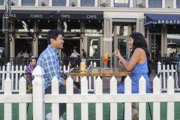 San Diego dará permisos para que restaurantes usen banquetas y...