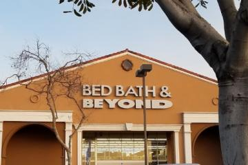 Pandemia provoca cierre de 200 tiendas de Bed Bath & Beyond
