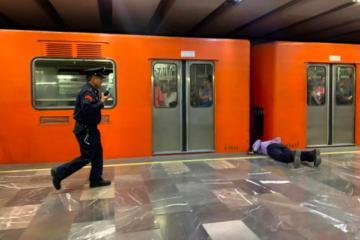 Más de 380 personas se intentado suicidar en el metro de CDMX en...