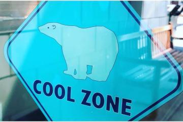"""Debido al calor bibliotecas en San Diego abren como """"zonas..."""