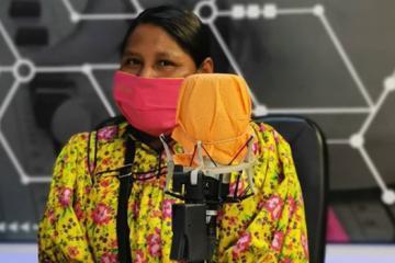 Mujeres rarámuri se asocian con Volaris para surtir cubrebocas