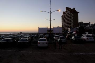 Conoce más sobre el autocinema frente al mar de Rosarito