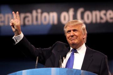 Twitter restringe cuenta de Trump por afirmaciones falsas sobre...