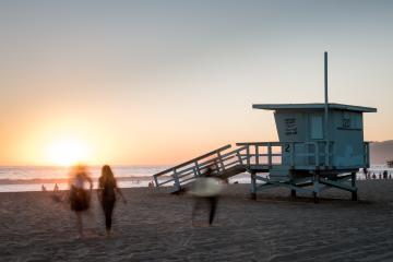 California termina la semana con más de 10 mil muertes por...