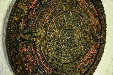 Nueva interpretación del calendario maya sugiere que falta poco...