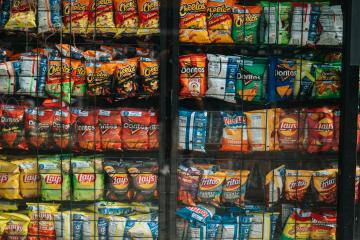 Senador presentará iniciativa para prohibir venta de comida...