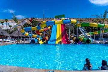 """""""El Vergel"""" pools announce their reopening despite..."""