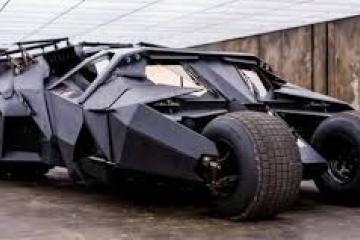 Joven universitario recrea el batimóvil de Batman: El Caballero de...