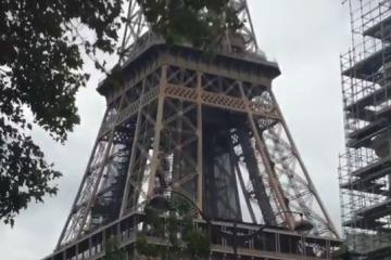 Evacúan Torre Eiffel