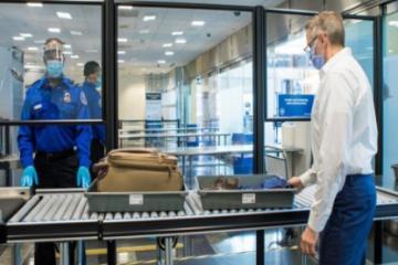 Aeropuerto de San Diego reajusta protocolos de seguridad sanitaria