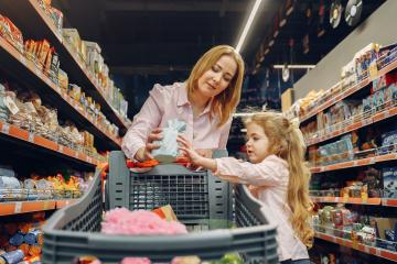 Children will now be able to enter supermarkets in Baja California