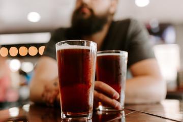Analizan reapertura de bares en Baja California bajo protocolos de...