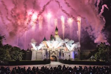 Crisis en Disneyland: Habrán despidos masivos