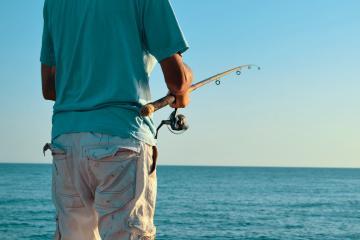 Rescatan a tres pescadores varados en Ensenada