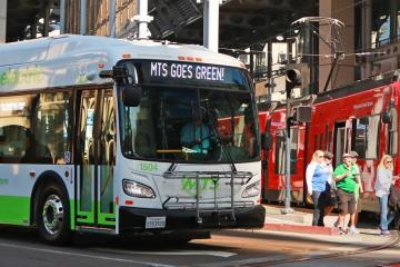 San Diego presenta su nuevo autobús eléctrico