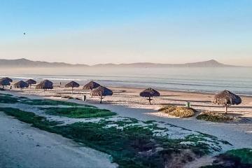 Autoridades hacen llamado para evitar el cierre de playas en Ensenada