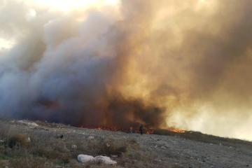 Arde Loma Bonita tras fuerte incendio en Tijuana