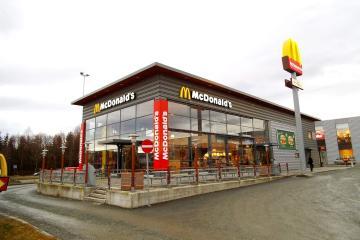 ¡Increíble! Esto gana un empleado de McDonald's en Dinamarca