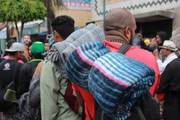 Cruza a Estados Unidos primer grupo de migrantes desde Matamoros