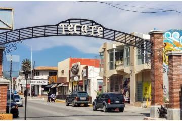 Vacunan a casi 3 mil 500 adultos mayores de 60 años en Tecate