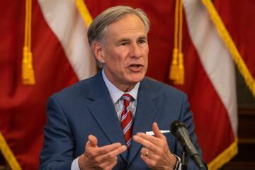 Texas levanta restricciones por covid-19, negocios abrirán al 100%...