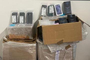 Decomisan más de mil celulares en Aeropuerto de Tijuana