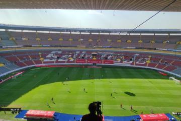 Victoria de EU en lento regreso de fans al Jalisco