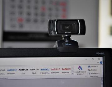 Diseñan webcam con forma de ojo humano