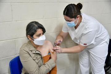 Maestros de Baja California: hoy último día de vacunación en...