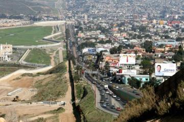 Levantar restricciones en frontera Tijuana-San Diego es posible:...