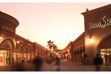 ¿Quieres trabajar en Las Americas Premium Outlets en San Ysidro?...