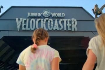 Jurassic World VelociCoaster abre sus puertas