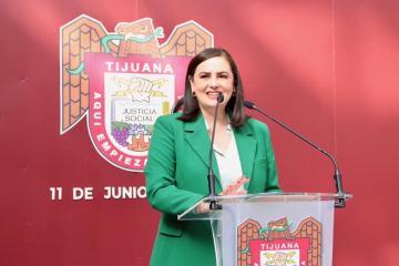Alcaldesa de Tijuana Karla Ruiz firma iniciativa que apoyará a...