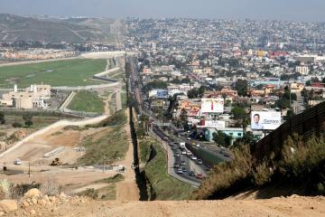 México presentará dos opciones para reapertura fronteriza con EEUU