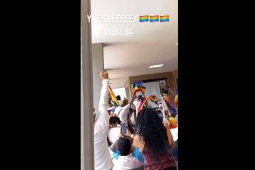 Celebran aprobación de matrimonio gay en Baja California