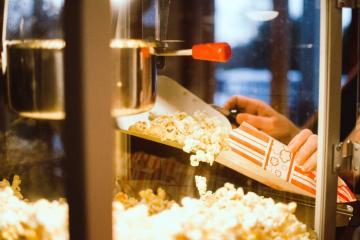 Lanzan promoción de palomitas ilimitadas en cines AMC de San Diego