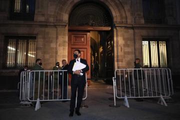 Gobernador de Michoacán vincula a MORENA con el crimen organizado