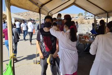 Más de 160 mil vacunas Pfizer y Sinovac llegarán hoy a Baja...