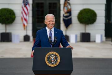 Biden anuncia cancelación de contratos para construcción de muro...