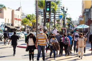 Tijuana City Hall promotes the use of masks in public places,...