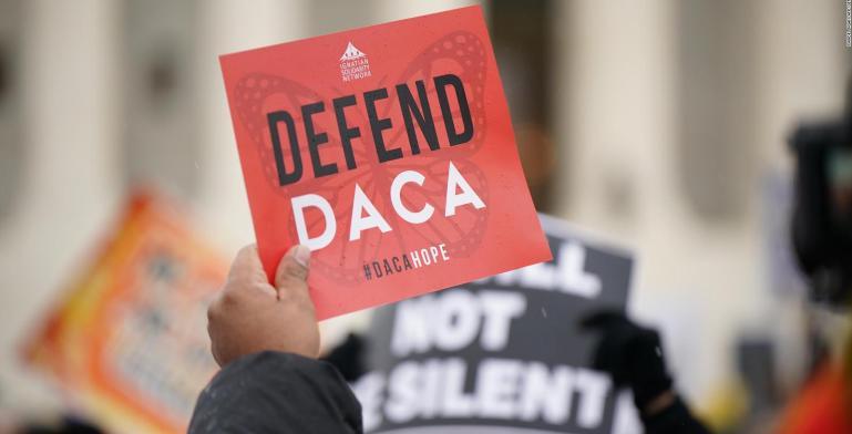 Texas declara ilegal programa DACA