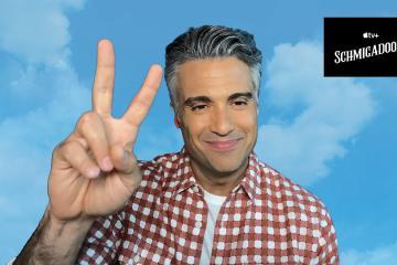 Entrevista a Jaime Camil sobre Schmigadoon! su nueva comedia en...